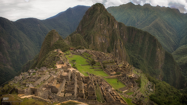 people are getting naked at Machu Picchu